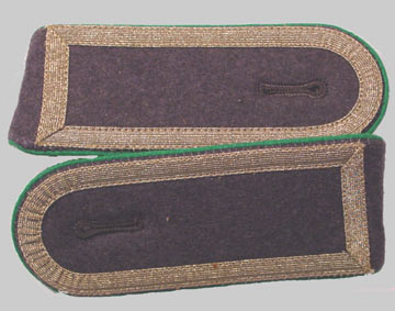 German Army Bundeswehr Stabsunteroffizier Post-1962 NCO ranks Shoulderboards w/ Green Piping